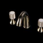 Смеситель Royal Cristal для раковины на 3 отверстия