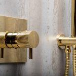 Душевая система скрытого монтажа Boheme FUSION, золото. Смеситель+ручной душ+верхний душ