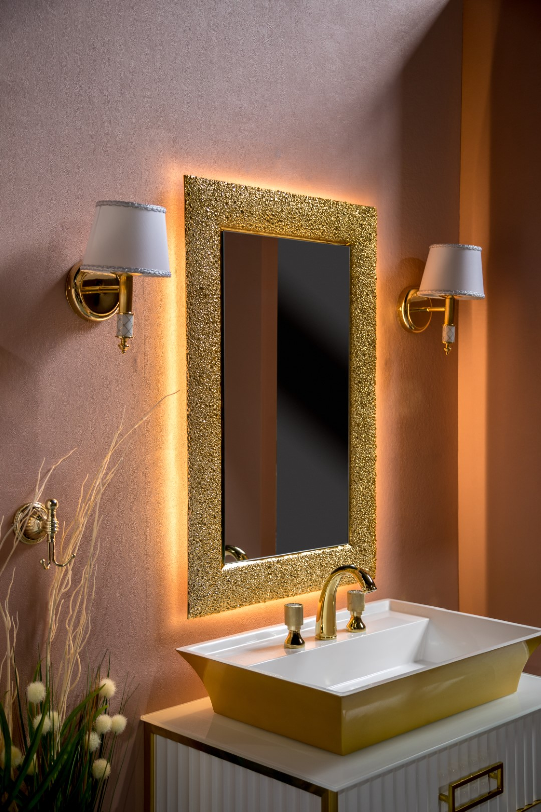 Зеркало LINEA 75х95 золото